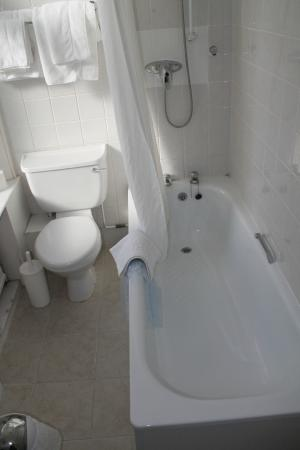 Chatsworth Hotel: Bathroom