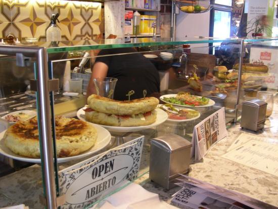 Ed s lobster bar picture of gansevoort market new york for Food bar new york city