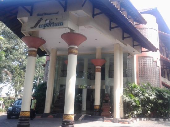 The Imperium International Hotel : depan hotel