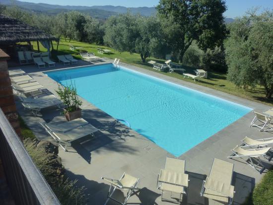 Tregozzano, Italien: la piscina