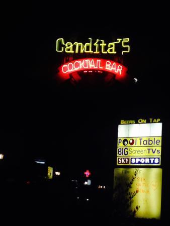 Canditas Studios: Night time at Canditas