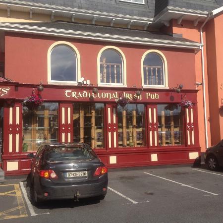 Lady Gregory Hotel Przyległy Pub