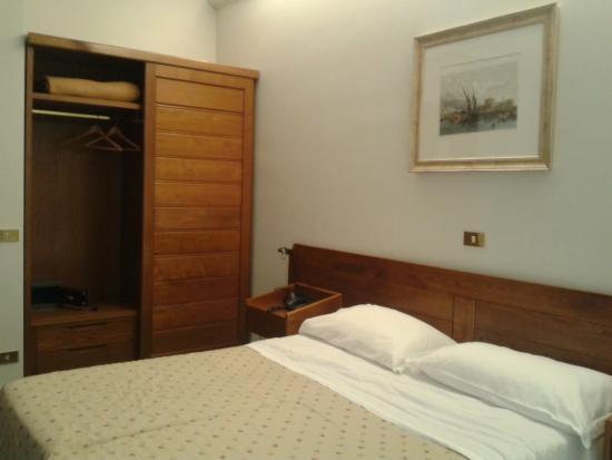 Hotel Cacciani: camera