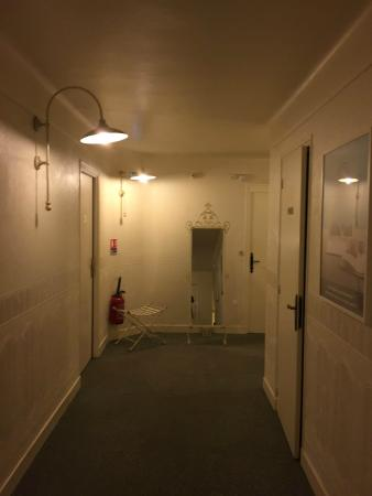 Ibis Styles Niort Centre Grand Hotel: Couloir