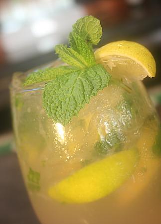Platos Restaurant & Bar: Our Passion Fruit Mojito...