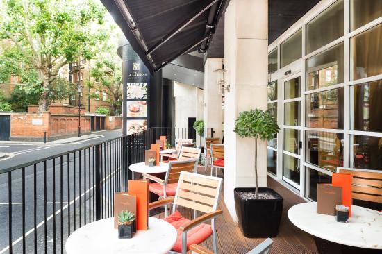 โรงแรมมิลเลนเนียม ไนท์สบริดจ์: Tangerine Cafe Bar