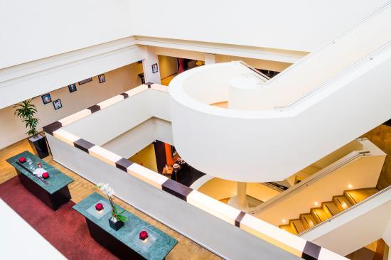โรงแรมมิลเลนเนียม ไนท์สบริดจ์: MKEdit