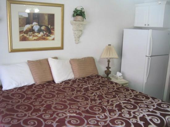 Terrace Park Suites: comfortable bed