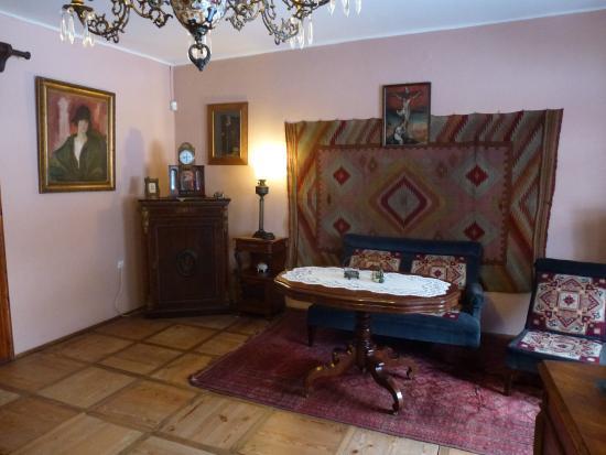 Jedlicze, Polska: Gabinet