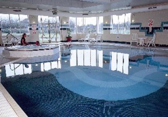 oakley court hotel swimming pool louisiana bucket brigade
