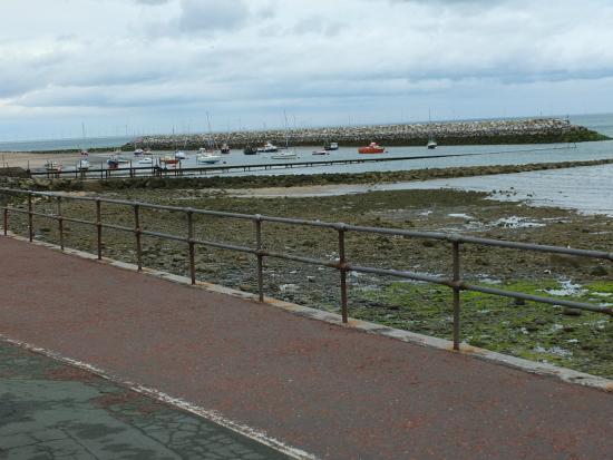 Rhos-on-Sea Beach: Rhos-on-Sea - sea front