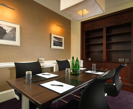 Cafe bar picture of mercure aberdeen caledonian hotel for 10 14 union terrace aberdeen ab10 1we
