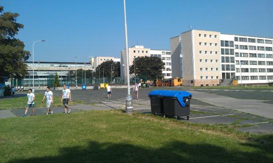 Hostel Strahov: Rows of housing blocks in the complex