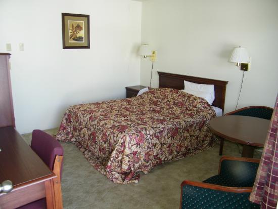 Knights Inn Baker City: slaapkamer