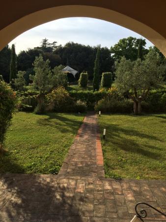 Il Borgo di Villa Bossi-Pucci: Landscape