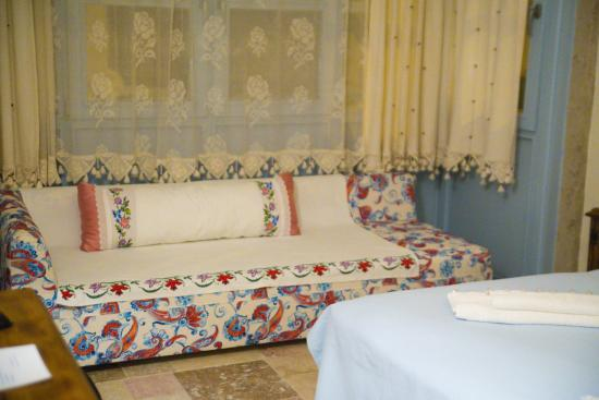 Dort Mevsim Alacati Butik Hotel: Our room. so cute