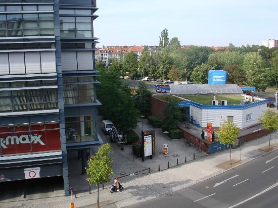 Blick Aus Dem Fenster I Bild Von Hotel Am Borsigturm Berlin