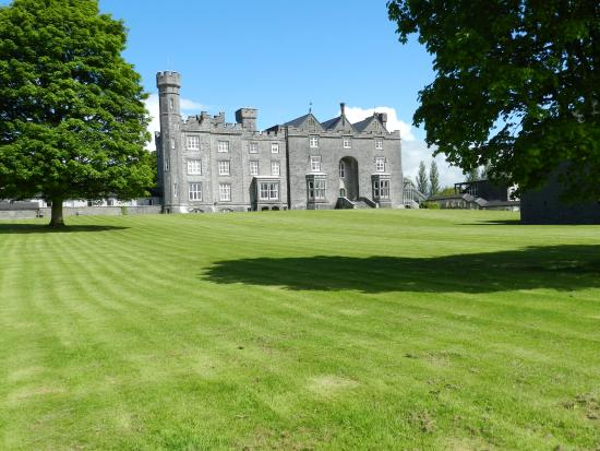 Cuisle Holiday Centre: castle on the grounds