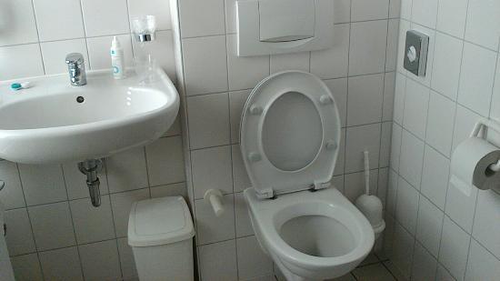 Badkamer wc foto van bitburger hof bitburg tripadvisor