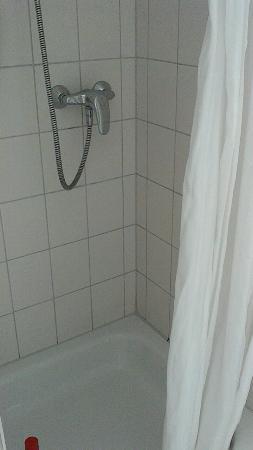Bitburger Hof: badkamer, wc