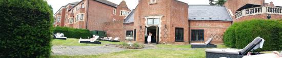 Hanbury Manor Marriott Hotel & Country Club: By pool doors