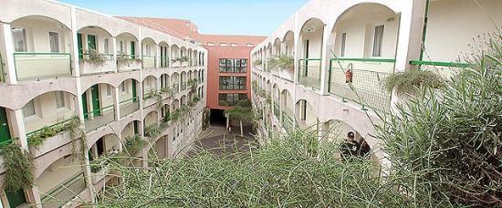 Euro Hotel Sovereign Saint Denis : Exterior View
