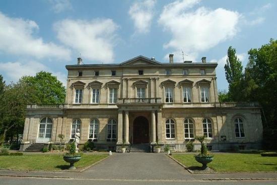 Château de la Motte Fénelon : Exterior2