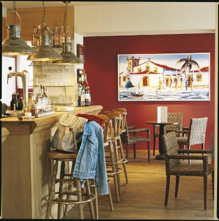 Hotel Restaurant des Isles: Bar/Lounge