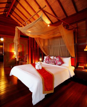 Zeavola Resort: Beach Front Suite