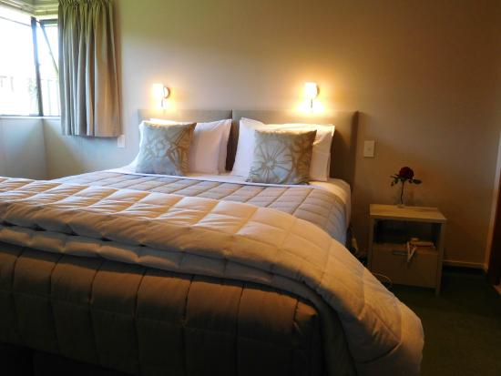 Brydan Accommodation: Second bedroom in Villa, identical features
