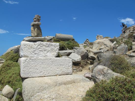 Delos Mount Kynthos summit - Bild von Mount Kynthos, Delos ...