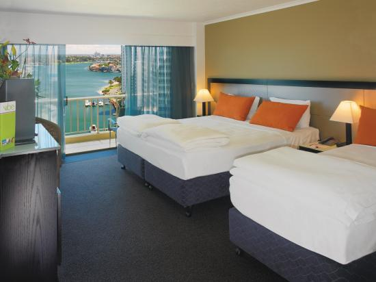 Vibe Hotel Gold Coast: King Single Room