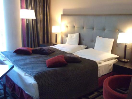 Belvedere Hotel: Comfortable big bed