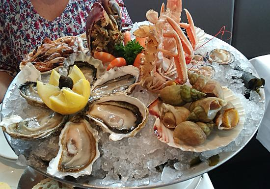plateau fruits de mer picture of l 39 ecume des mers lille tripadvisor. Black Bedroom Furniture Sets. Home Design Ideas