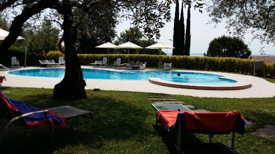 Piscina Bild Fr N Hotel Riva Del Sole Moniga Del Garda