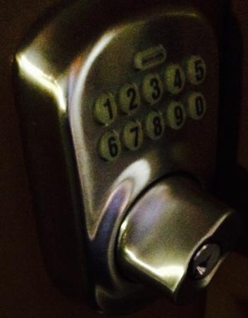 Nuvo Hotel Suites: photo1.jpg