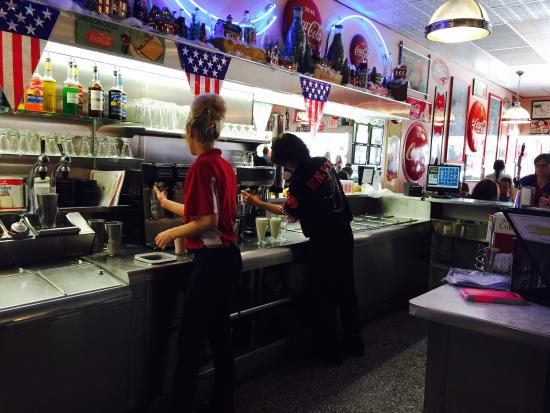 Dawson & Stevens Classic Diner: Every is busy at Dawson and Stevens!