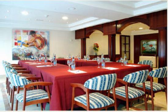 Photo of Hotel Gran Legazpi Madrid