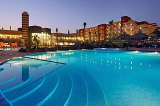 エルバ カルロータ ビーチ & ゴルフ & コンベンション ホテル
