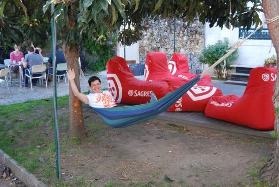 Go Hostel Lisbon: garden