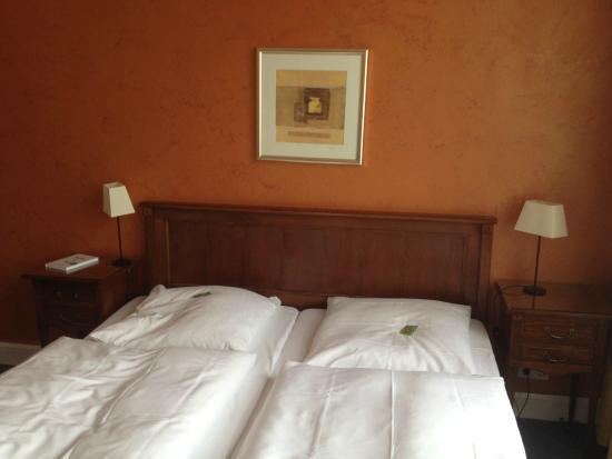 Hotel Residence Bremen: Номер со стильной старинной мебелью