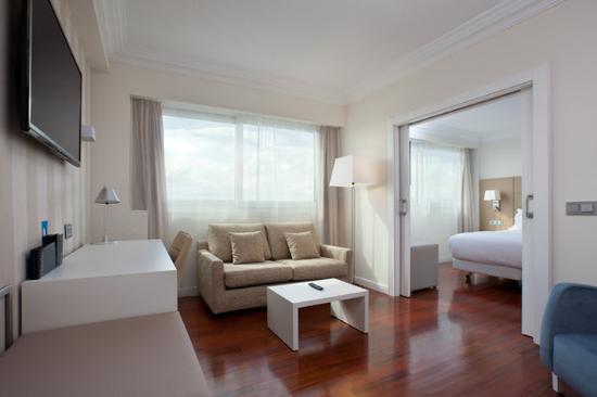 NH Pamplona Iruña Park: Guest Room