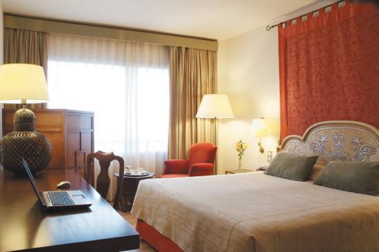 Hesperia Sevilla: Room