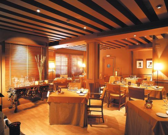 Hesperia Sevilla: Restaurant