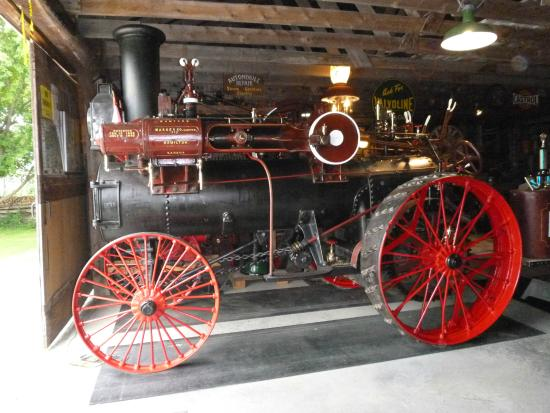 Horseless Carriage Museum: Steam traction engine