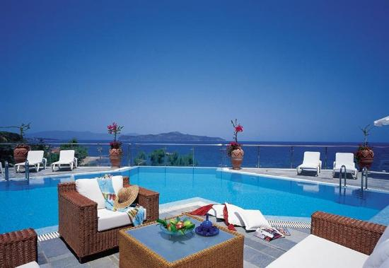Panorama Hotel - Chania: Pool view