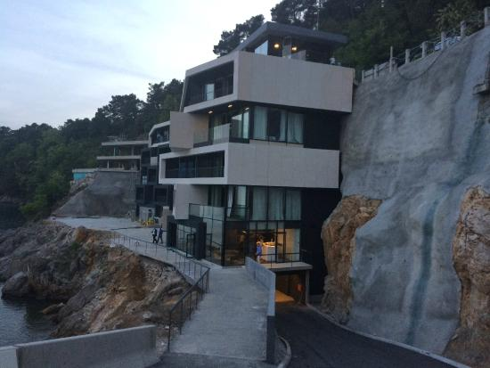 The veranda picture of hotel navis opatija tripadvisor for Design hotel i restoran navis