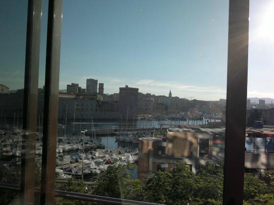 View from restaurant foto van novotel marseille vieux port marseille tripadvisor - Novotel vieux port marseille ...