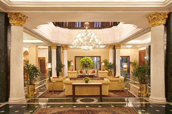 The Oberoi Grand: Lobby view