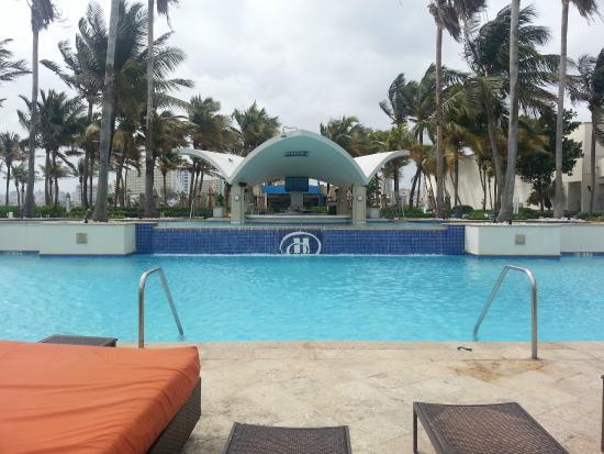 Caribe Hilton San Juan: pool area